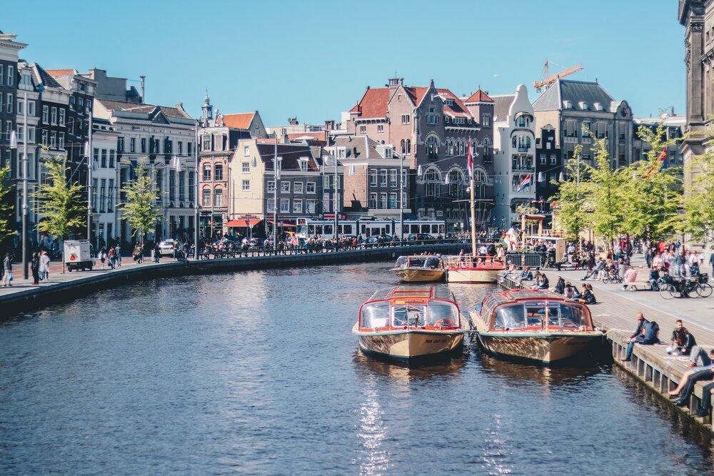 オランダ進出