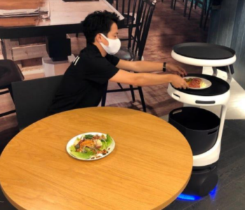 AI restaurant robots in Japan